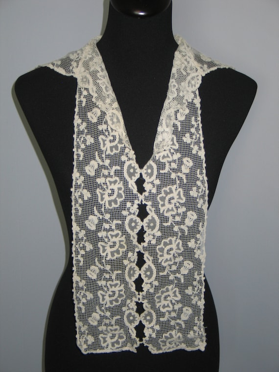 Antique Lace Collar / Embroidered Net Valenciennes