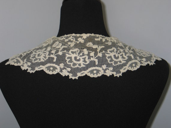 Antique Lace Collar / Embroidered Net Valencienne… - image 4