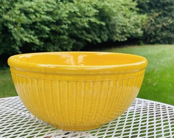 """Vintage Red Wing Pottery Yellow Ribbed 9"""" Mixing Bowl Farmhouse Yellowware"""