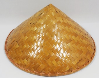 37cee7c98 Vintage MCM Asian Coolie Hat Sun Rice Patty Bamboo Straw Conical Chinese  Japan Woven