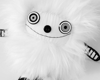 POLKADOTTYDOLL - Cute Kawaii Plushie Kawaii Art Doll White Art Doll Cute Plush Creature - LYNDA BLACK