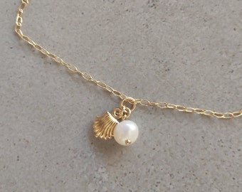 Dainty Shell Anklet, Beach Anklet, Pearl Anklet, Gold Filled Anklet, Gold Pearl Anklet, Summer Anklet, Foot Jewelry, Anklet for women