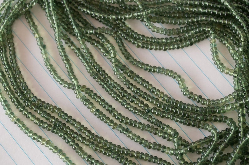1 strand Natural Gemstone Green Apatite Round Beads AAA Quality  4-5.5 mm 80 Carat 46 cms full Line 03-35