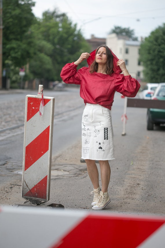Woman 80s  red blouse/big hoodie style collar  ov… - image 1