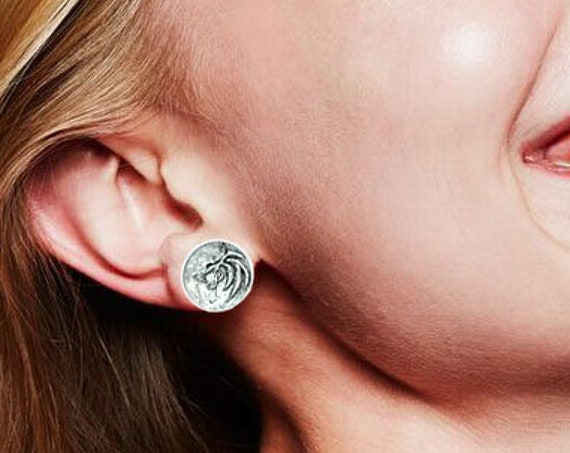 Witcher ear studs, Geralt of Rivia earrings Inspired by Witcher jewelry, Wolf studs, sterling silver medieval fantasy studs