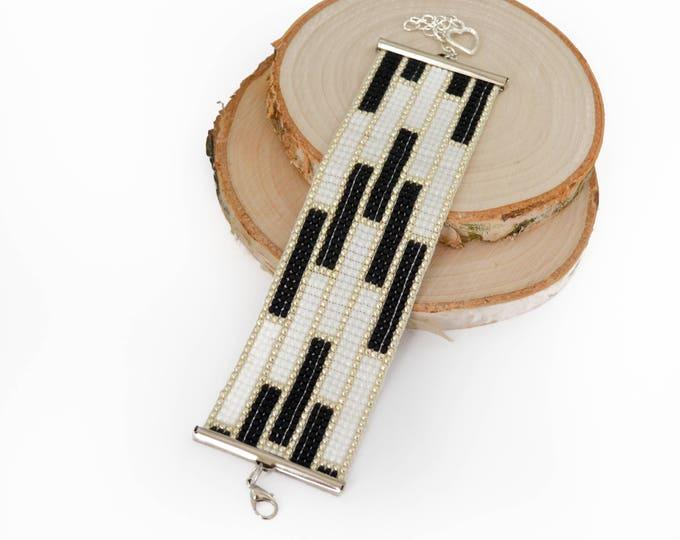 Black white loom bracelet, wide bracelet, woven bracelet, beaded bracelet, seed beads bracelet, Girl women gift cuff bracelet, elegant gift