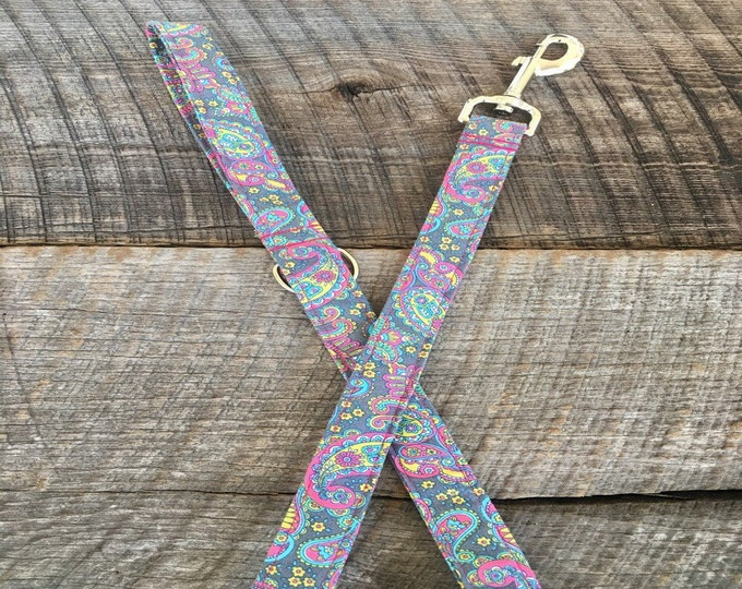 Grey Paisley Dog Leash