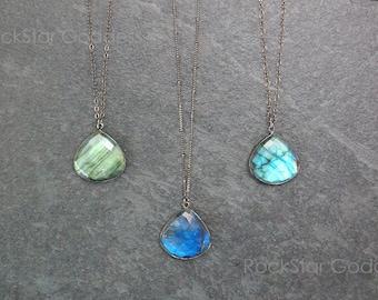 Labradorite Necklace / Labradorite / Labradorite Jewelry / Labradorite Pendant