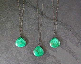 Malachite Necklace / Malachite / Malachite Pendant / Malachite Jewelry / Satellite Chain