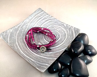 Triple wrap pink and white jade gemstone bracelet with flower button