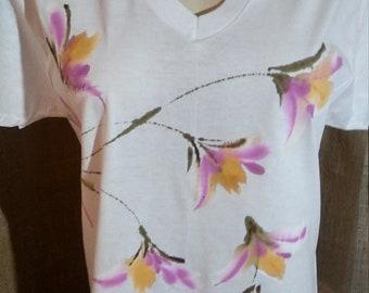 Hand Painted T shirts, the Dancing flowers: Hula Pua