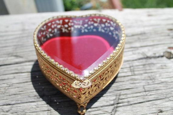 Vintage Ormolu Stylebuilt Heart Trinket Box Jewelr