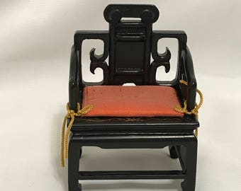 "Dollhouse Miniature 1"" Scale Chair"