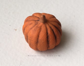 "Dollhouse Miniature Halloween  Pumpkin 1"" scale. (JL)"