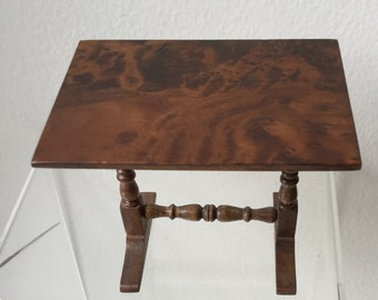 "Dollhouse Miniature 1"" Scale Table  1984 (JSJ)"