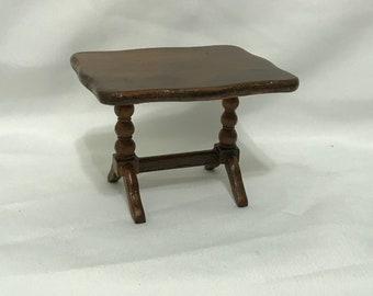 "Dollhouse Miniature 1"" Scale Table"