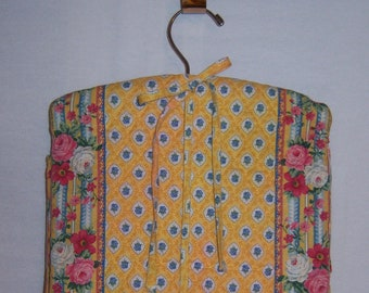 7e3f2cdd16 Vintage Vera Bradley Elizabeth Yellow Blue Quilted Hanging Jewelry  Organizer Roll Bag Purse Made In USA Make Up Cosmetic Travel