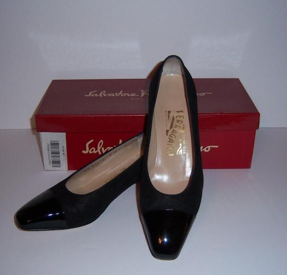 4deb661356a8 Vintage Salvatore Ferragamo Black Patent Leather Suede Luna