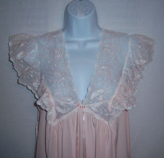 Vintage Saxon Lingerie Pink Ivory Lace Embroidered Gown  25bc12e0b