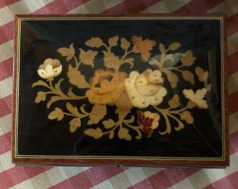 French Country Romantic Floral Bouquet  Inlaid Marquetry Jewelry Box