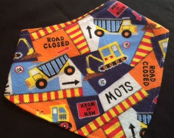 CONSTRUCTION VEHICLES bandana bib. Dribble - Bandit - Drool - Reflux - Teething - Bulldozers - Boys - Construction Workers - Made in America