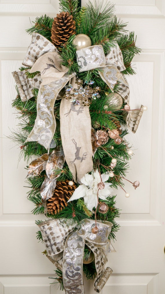 Rustic White pine cones garland on a jute cord 200cm Christmas Rustic Garland