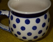 Polish Pottery Gents Bubble Mug 6 oz - white, blue - little dots