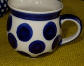 Polish Pottery Gents Bubble Mug 6 oz - white, big blue bots