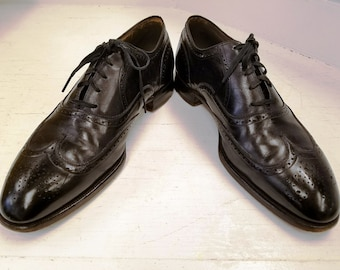 1feda59e0eff7e Vintage Pair of Black Leather Wing Tip Oxford Shoes