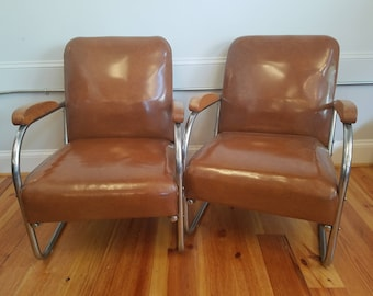 Merveilleux Pair Of Vintage Caramel Naugahyde And Chromed Metal Chairs, Dixie Chrome,  Ca 1950s