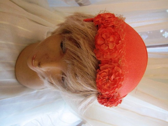 New Old Stock Vintage Sugar Melon Veiled Hat with