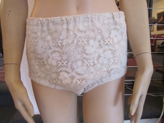 Vintage White Lace over Cream Cotton High Waist B… - image 4