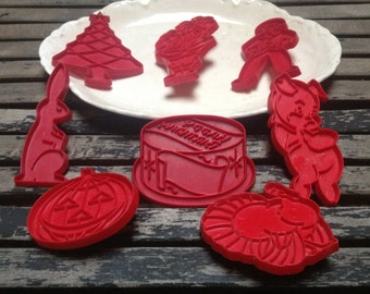 Vintage Red Cookie Cutters, Holiday Cookie Cutters x 8