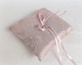 Ring Bearer. Antique pink wedding ring pillow. Antique pink satin and embroidered floral lace. vintage style wedding ring bearer