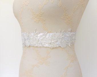 White sash. Embroidered sash. Lace flowers sash. Beaded sash. Bridal sash. Wedding dress sash. White belt. Embroidered belt.