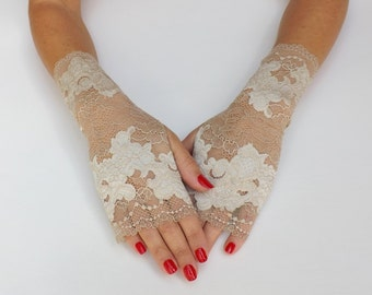 Lace gloves. Ivory floral gloves. Fingerless gloves. Bridal gloves. Nude gloves. Lace mittens. Short gloves. Champagne gloves.