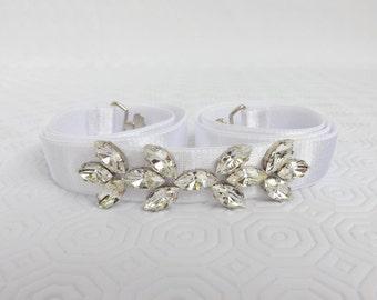 White elastic waist belt decorated with Swarovski crystals leaves. Bridal Sparkly belt.
