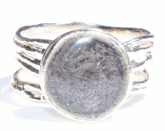 Sterling Silver Textured Band Cremation Ring with 10mm Circle Setting - Cremation Jewelry