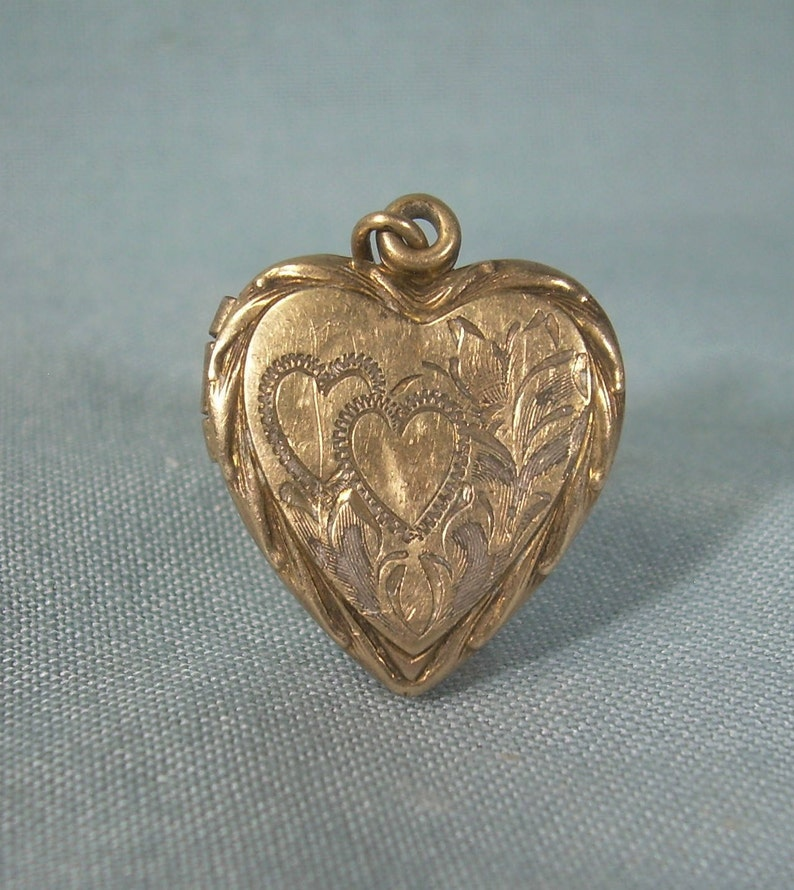 7a6477dd2 ANTIQUE HEART Locket Pendant Charm-Vintage Puffy Gold On | Etsy