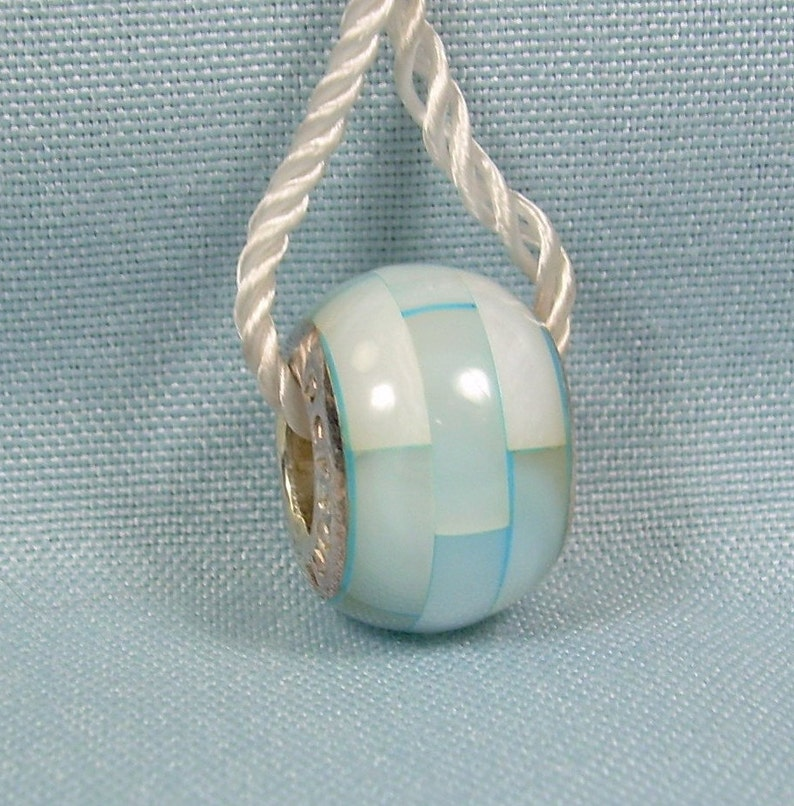 STERLING PERSONA Baby Blue /& White MOP Mother Of Pearl Tow-Tone-European Charm Bead-925-Bracelet Necklace-Slides On-H12067PP-01 18634097