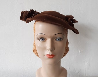 1940s brown hat - vintage 1940s brown felt fascinator hat - fits most sizes  - vintage fascinator hat e46a4eeef8f