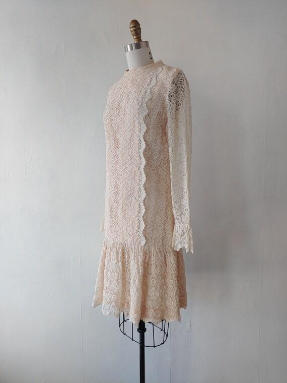 vintage 1960s beige lace dress - 1960s beige lace… - image 4