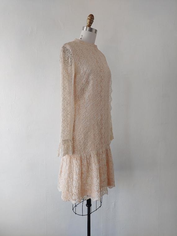 vintage 1960s beige lace dress - 1960s beige lace… - image 9