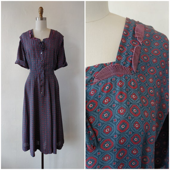 Reserved - 1940s print day dress - vintage 1940s b
