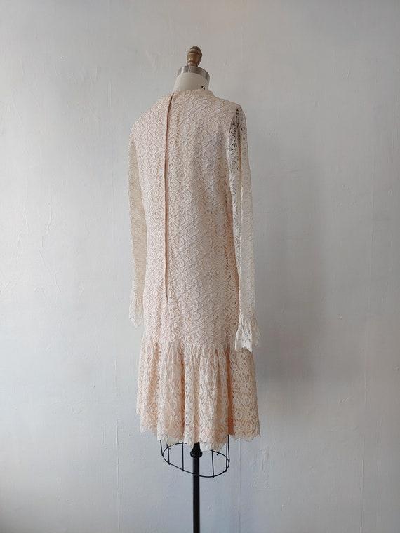 vintage 1960s beige lace dress - 1960s beige lace… - image 7