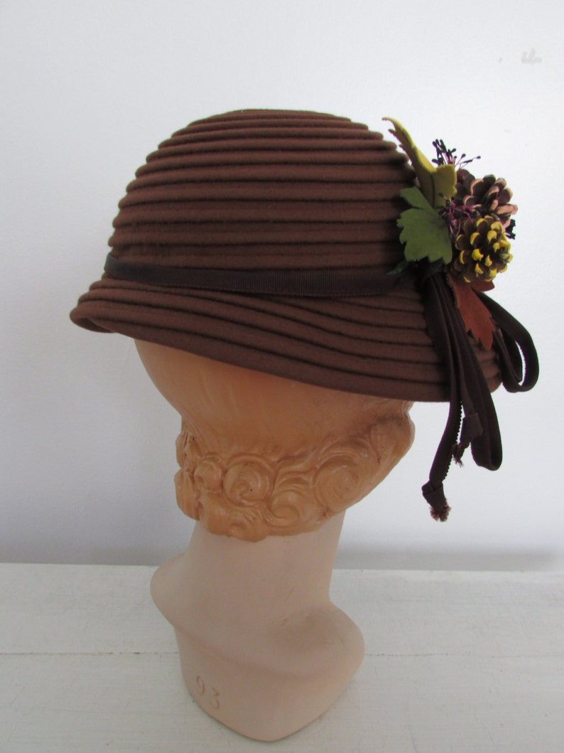 391c53284 Vtg 40s Felted cloche hat Offers are awesome Bundles make it