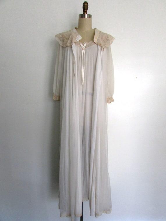1950s white  lace peignoir | vintage 50s lace peig