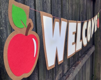 Welcome Teacher Gift Banner with Apples