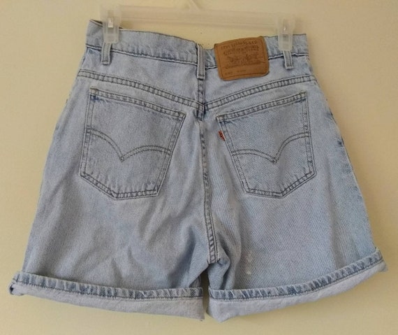 e96fde43 Vintage Levi's Shorts Women's Size 8 Relaxed Fit
