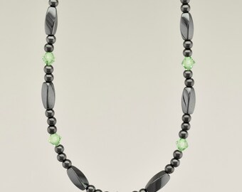Simply Seductive Collection Three-In-One Necklace - Hematite with Peridot Crystal